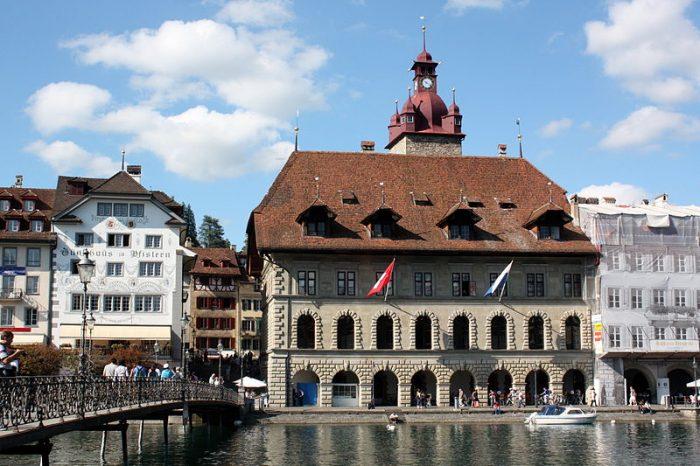 Trigon Entwicklungsberatung Luzern Rathaus